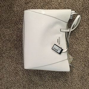 Bnwt large guess white embossed tote.